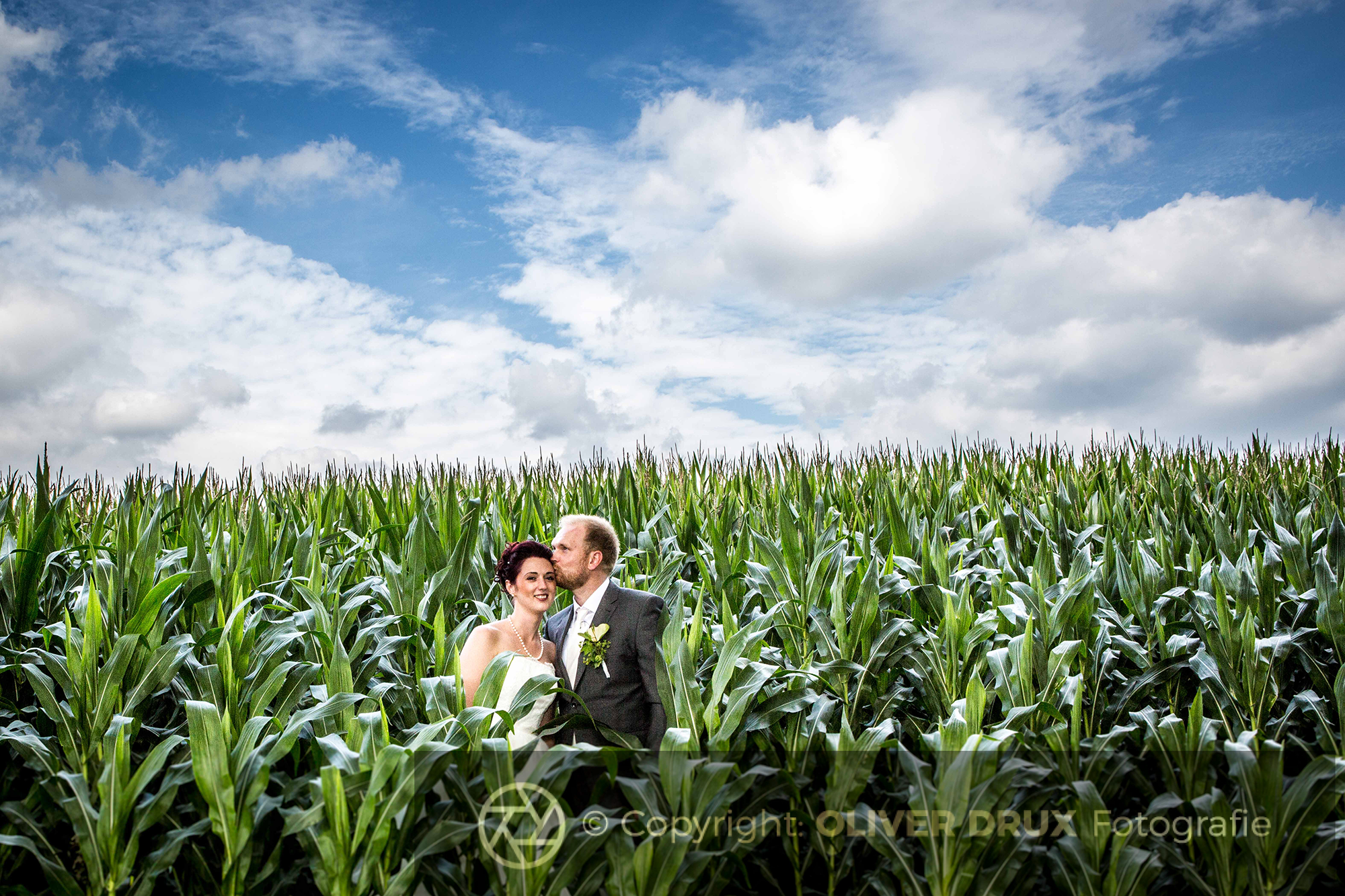 Brautpaarshooting im Maisfeld